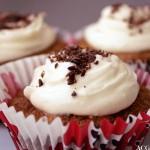 Gulrotkake-muffins med eple og sjokolade