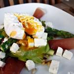 Aspargessalat med posjert egg