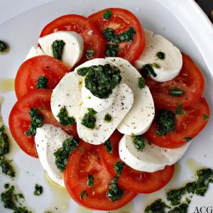 caprese: tomatsalat med mozzarella