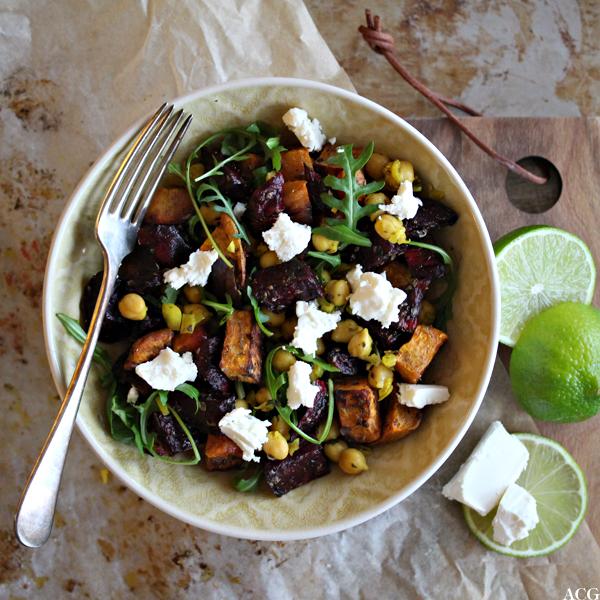 Kikertsalat med ovnsbakte rotgrønnsaker og fetaost