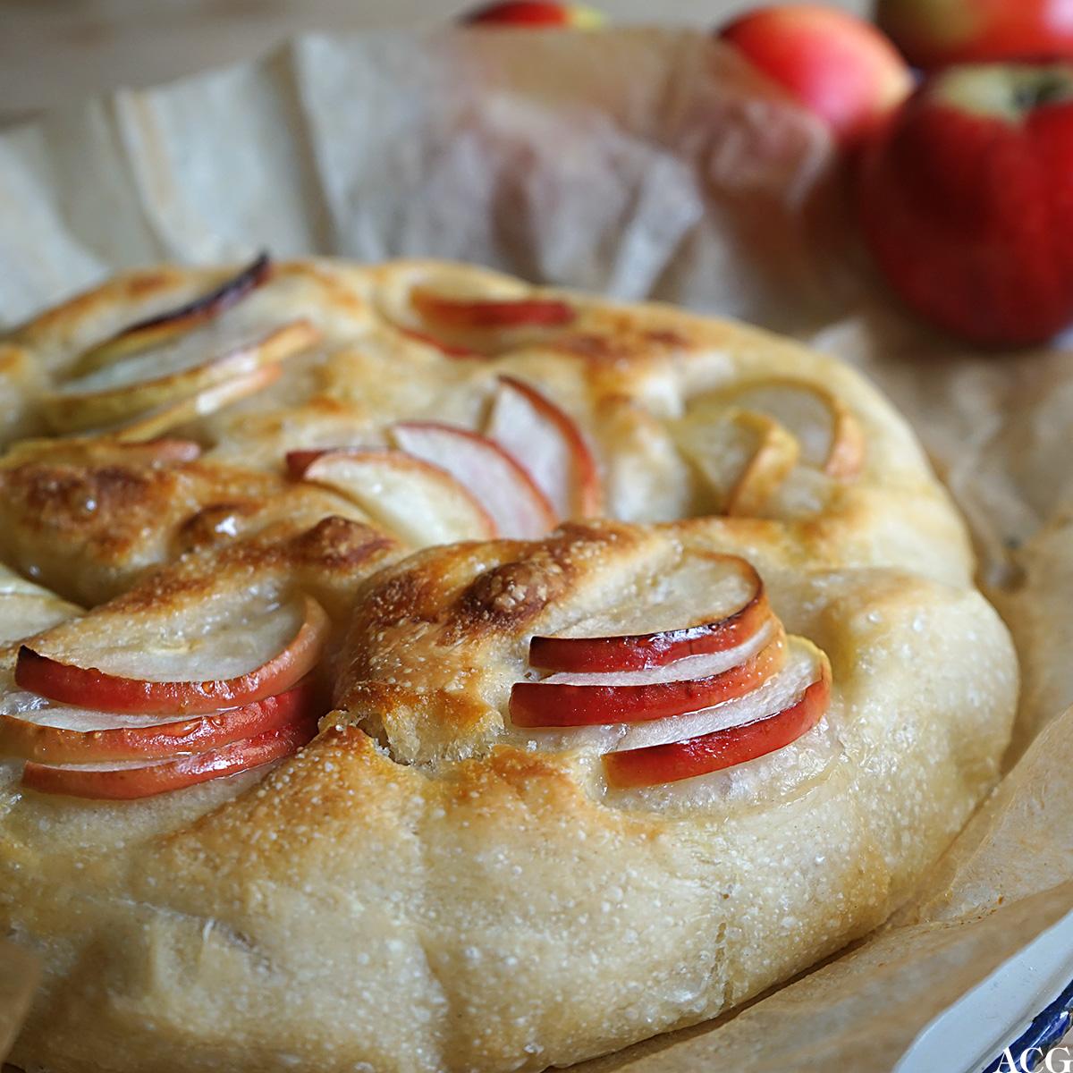 Focaccia med eple og honning
