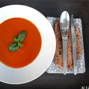 Klassisk tomatsuppe og tomatbrød