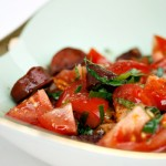 Jamies spanske tomatsalat med chorizo