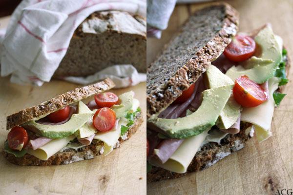 to bilder av ost- og skinkesandwich