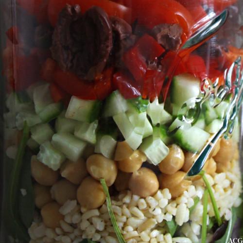 Nærbilde av salat på norgesglass