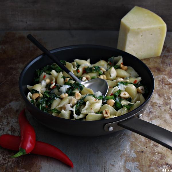 panne med pasta og grønnkål