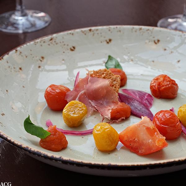 Tre typer tomat: fersk, semi-tørket og fluid gel
