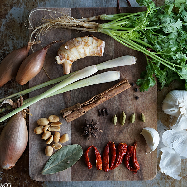 ingredienser til massaman curry paste