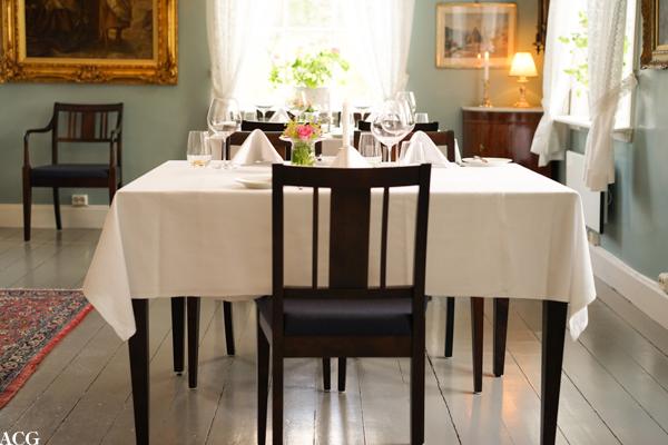Dekket bord på Boen Gård