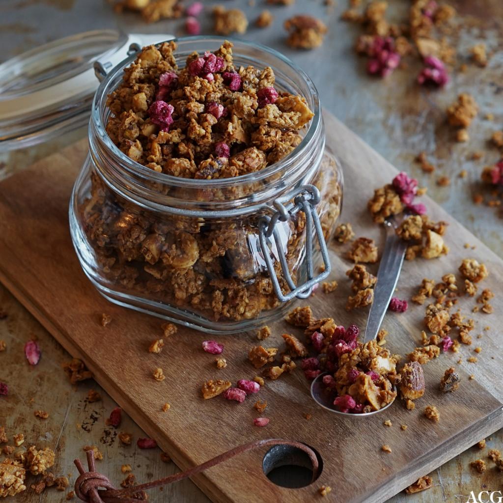 granola med tahini og nøtter