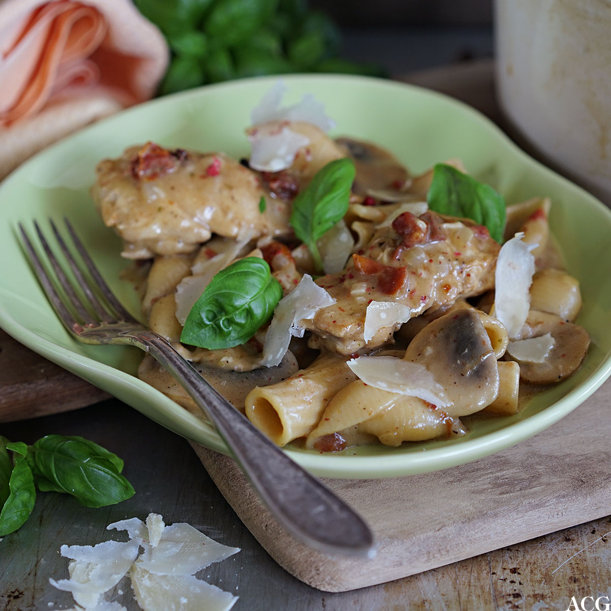 one pot pasta med kylling og soppa