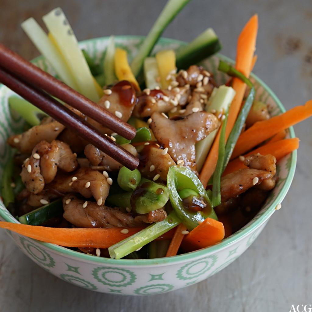 kylling og hoisinsaus, grønnsaker og mango